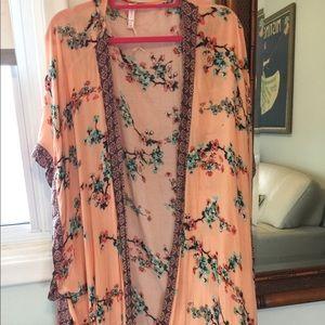 Long kimono Med to large